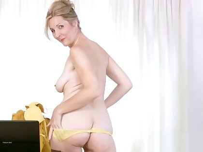 Fresh Step Mom Camilla Fucks Hard Young Dad's Friend