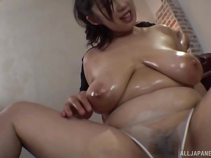 Chubby Asian Oomori Shizuka fucked slaver deep in mouth and pussy