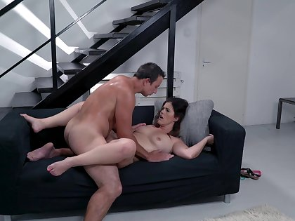 Mommy gets the dick after she sucks like a thirsty whore