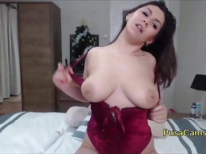 Natural busty mollycoddle with huge tits is fucking her big white ass with dildo